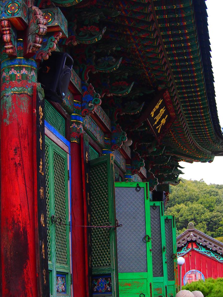 hwaunsa-main-buddhist-hall.jpg